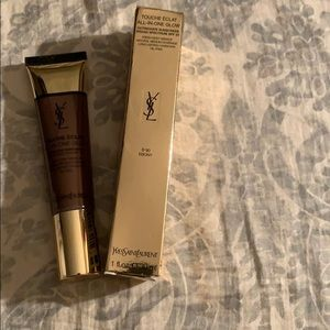 YSL Touché E'clat all in one glow foundation B90